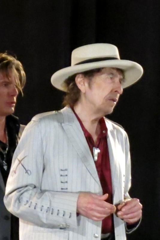 Bob Dylan - Expecting Rain - Archives 2015c b93c8fecc8