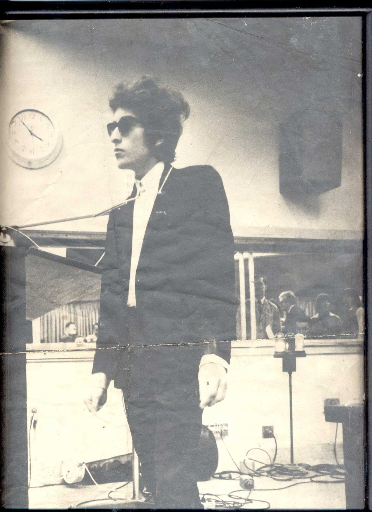 Bob dylan expecting rain archives 2004c of dylan listening to the playback of subterranean homesick blues hexwebz Choice Image